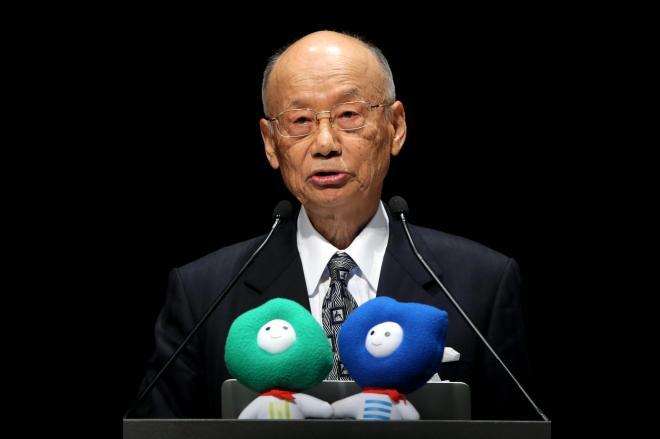 科学未来フォーラムで講演する大村智さん=2013年11月5日