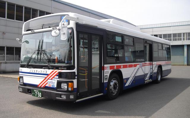サイテー王者の座を譲り渡した長崎自動車のバス=同社提供