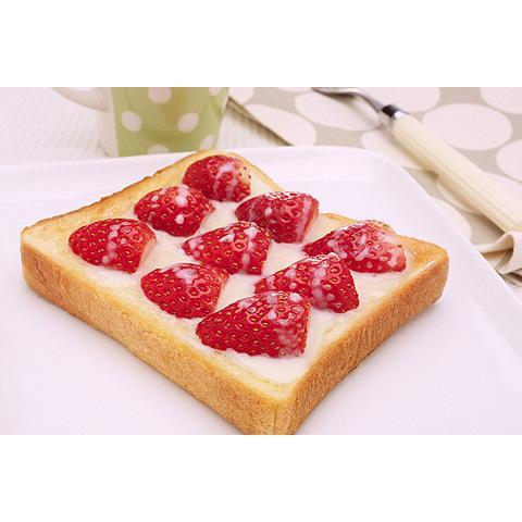 れん乳いちごトースト