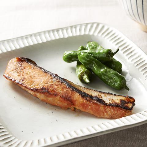 フライパンで簡単 鮭の西京焼き風