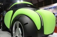 史上最強の安全な車?エアバッグカー「Flesby」