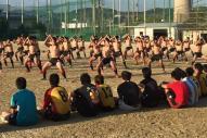 「ハカ」をする京都市立伏見工高校のラグビー部員