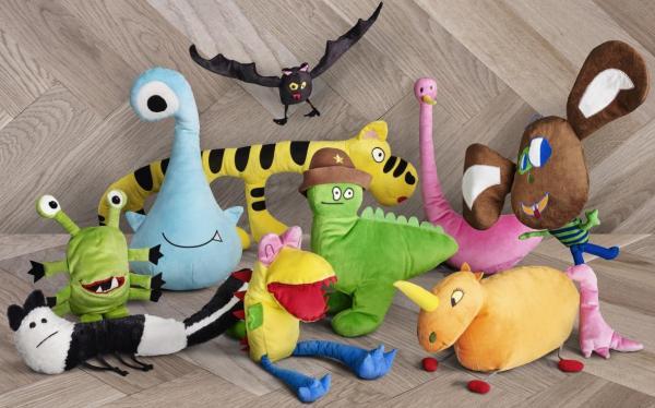 子どもが描いた絵をもとにしたぬいぐるみ  (c) Inter IKEA Systems B.V.