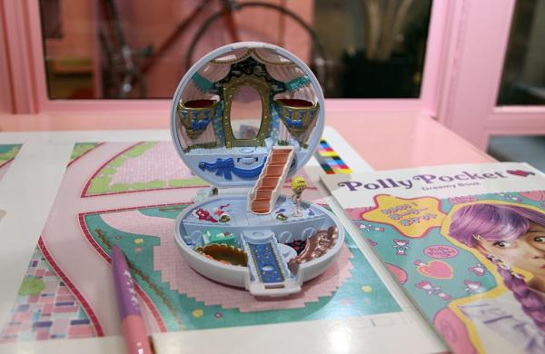 「Polly Pocket Dreamy Book」(宝島社)の付録、復刻版のポーリーポケット