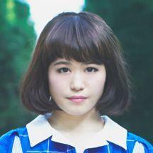 Nao☆(ナオ☆) 新潟市出身、27歳。2003年7月結成の新潟発アイドルグループNegiccoのリーダー。昨年12月発売の「光のシュプール」がオリコン週間5位、今年8月発売の「ねぇバーディア」が同7位に。アニメ好き。