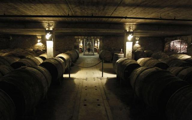 「ルイ13世」の原酒になる樽=ロイター