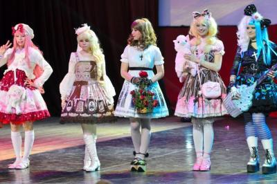 ロシア人によるロリータ服コンテスト=2013年11月、モスクワ