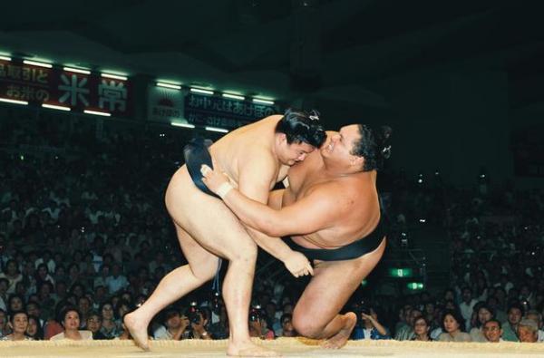 【1997年7月20日】大相撲名古屋場所15日目 貴乃花は上手投げで曙を破り、優勝を決める