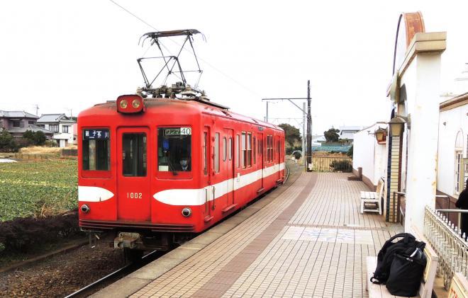 犬吠駅に入る電車