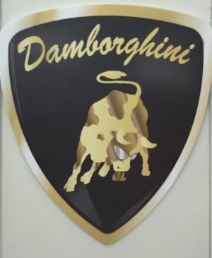 ダンボルギーニのエンブレム
