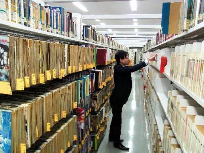 国会図書館関西館の書架