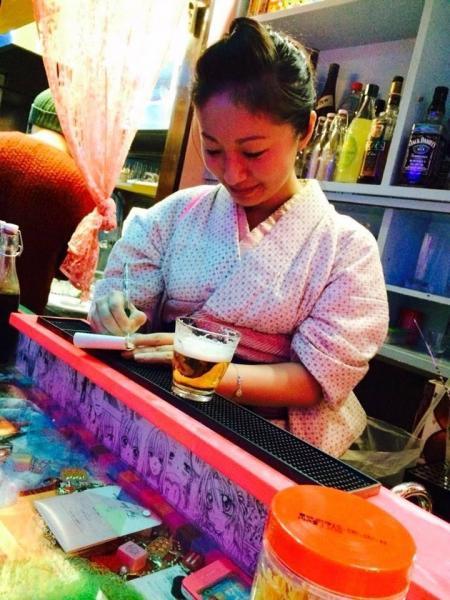 獣肉料理を出す料理店を経営する美人グラフィックデザイナー宮下慧さん