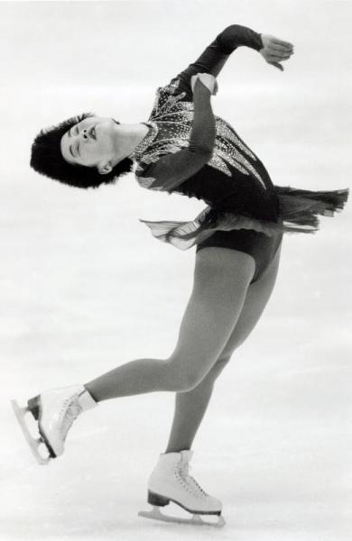 選手時代の八木沼純子さん。リレハンメル冬季五輪代表選考会兼全日本フィギュアスケート選手権での演技=1994年1月