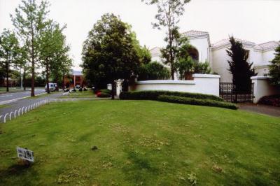 「チバリーヒルズ」と呼ばれた超高級住宅街「あすみが丘ワンハンドレッドヒルズ」=1995年