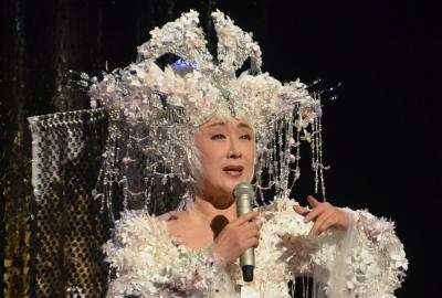 歌唱にも熱が入る小林幸子さん