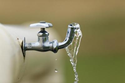 新幹線や特急の洗面台の水は水道水や井戸水だった