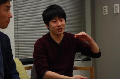 斎藤投手に自身の思いを語るグノシー福島CEO