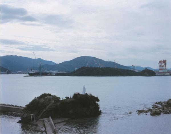 CMに登場する長崎・神ノ島のマリア像の風景