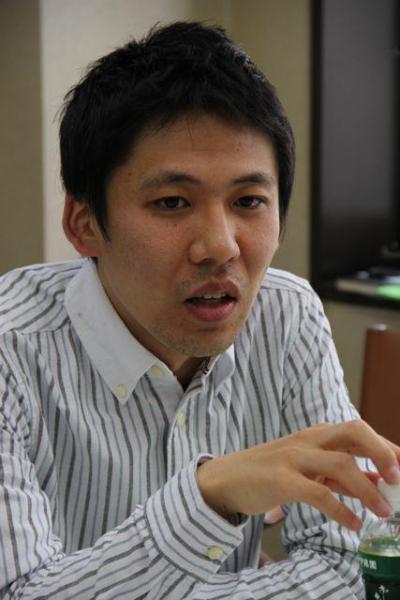 「私の父親もギャンブル依存症だった」と語る映画「微熱」の小澤雅人監督