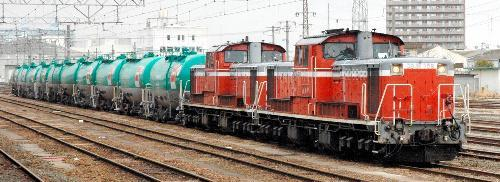 郡山駅に到着した石油列車(2011年3月26日)