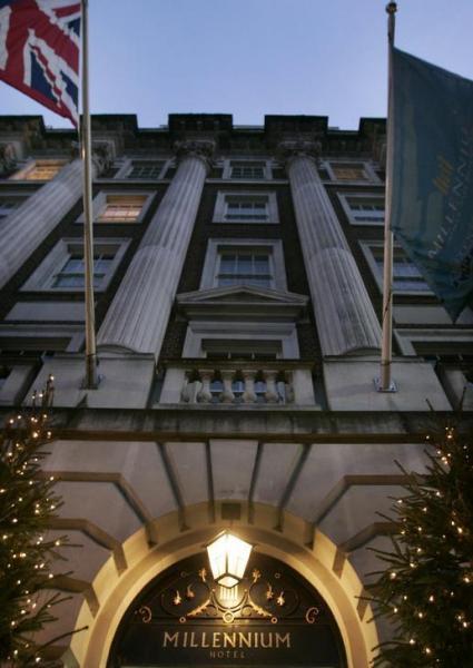 ロンドン「ミレニアム・ホテル」の外観=2006年12月8日、ロイター