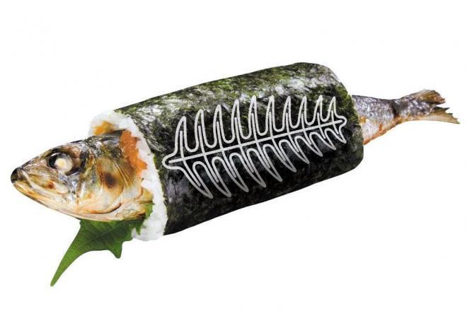 毎年、様々な太巻きが登場する恵方巻き。無添くら寿司は予約販売で「まるごといわし巻」を投入