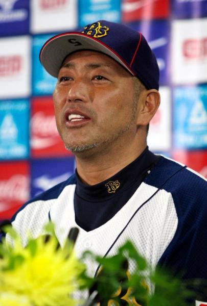 試合後の会見で笑顔を見せる清原和博選手=2008年10月1日