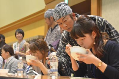 納豆の消費低迷に歯止めをかけようと、水戸納豆早食い大会が開かれたが…
