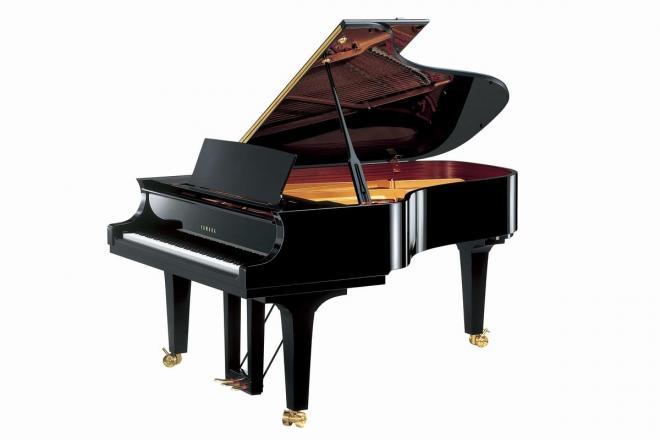 ヤマハのコンサートグランドピアノ