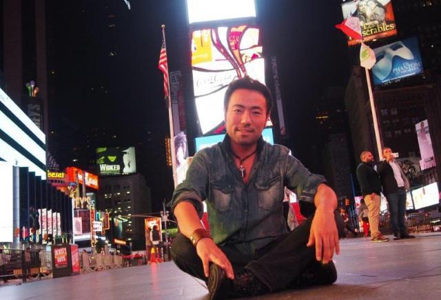 タイムズスクエアで=2015年9月、井上写す