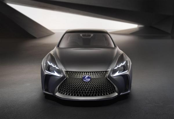 将来のLEXUSフラッグシップカーをイメージしたコンセプトカー「LEXUS LF-FC」