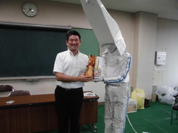 奈良市長と「リニー君」