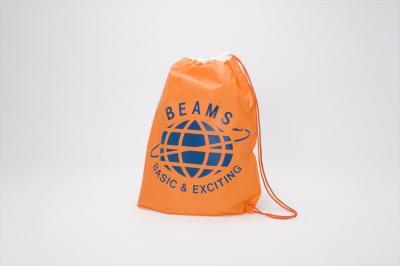 ビームスのショップバッグ。中高生がカバン代わりに使うほどブームに。2006年まで使われていた