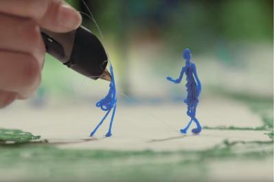 動画では人や建物のパーツが3Dペンで次々と描かれていく