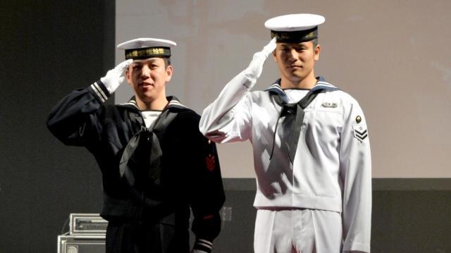 海上自衛隊の海士夏冬礼装服