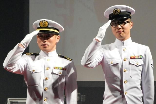 海上自衛隊の夏礼装服