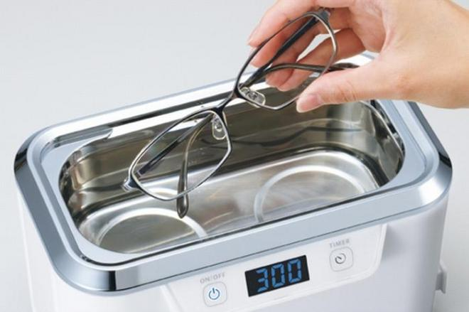 メガネの超音波洗浄器に鼻を突っ込んで洗えるのか?メーカーに聞いてみると…