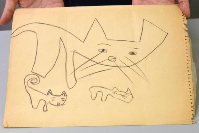 社内で「原案」として知られていた、画用紙の表側の絵