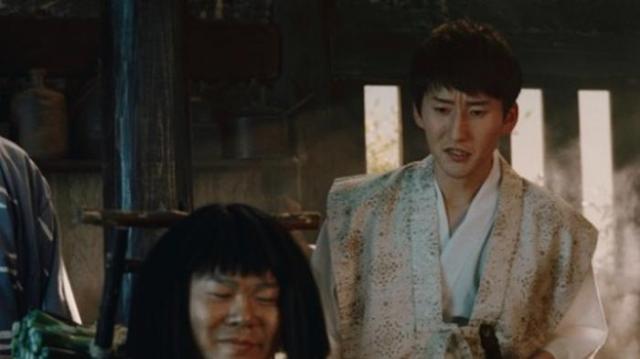 auのニセ三太郎CM。衣装は一緒だが顔がちょっと違う