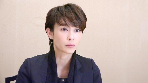 髪を寄付した女優の水野美紀さん=瀬戸口翼撮影