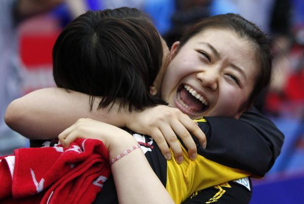 【2010年5月28日】世界卓球2010女子対韓国戦に勝ち、満面の笑みの福原愛選手(モスクワ)