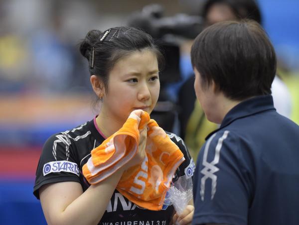 【2015年6月27日】女子シングルス2回戦で敗れた福原愛選手=加藤諒撮影