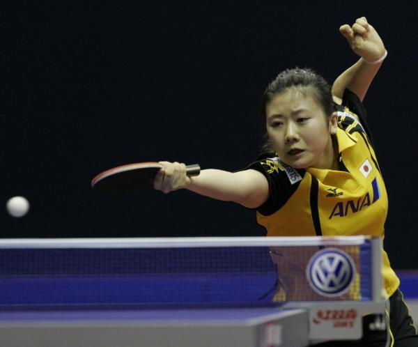 【2010年9月24日】世界卓球2010女子対マレーシア試合中の福原愛選手(クアラルンプール)