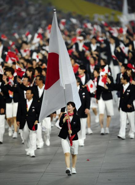 【2008年8月8日】北京オリンピックの開幕式で旗手を務める福原愛選手