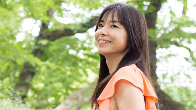 山口智子さん=東京・井の頭公園、家老芳美撮影