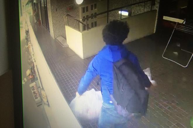 店主がネット上で公開した、防犯ビデオの映像