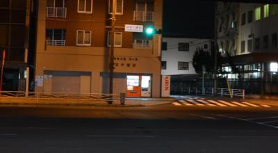 室内の取材には邪魔したくなかったので同行せず。近くのコンビニで待機。1時間くらいで上野Dと井水ADが出てきました。※写真はコンビニから見えた風景で女性宅とは関係ありません