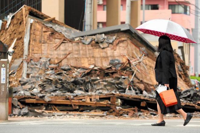 義援金は被災者の生活再建に役立てられる=17日、熊本市中央区、細川卓撮影