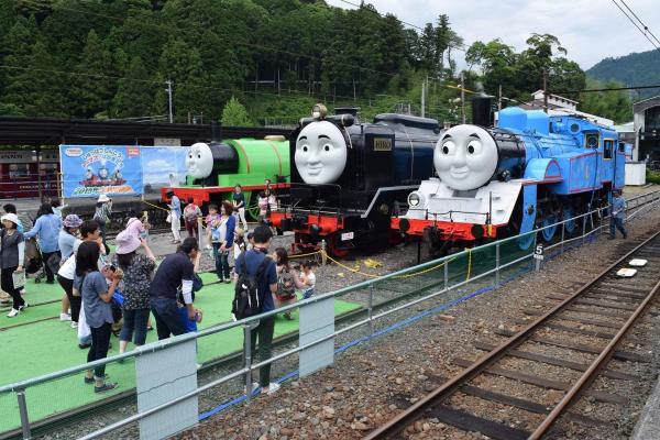 大井川鉄道千頭(せんず)駅にはトーマス、ヒロ、パーシーが勢揃いした