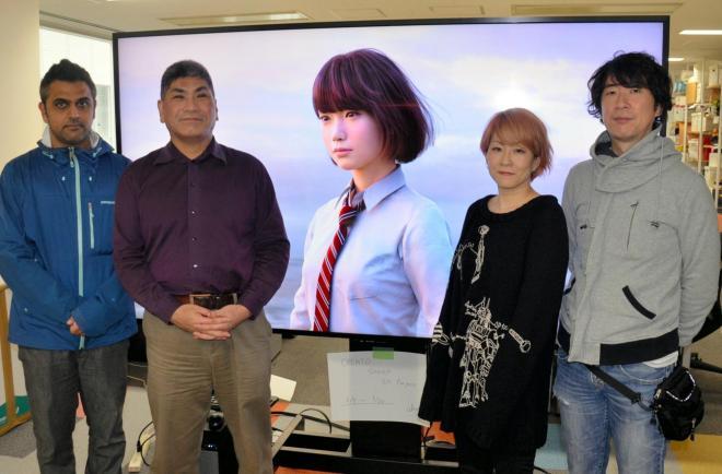 右から石川晃之さん、友香さん、杉浦一徳准教授、協力企業ロゴスコープ社のジャナック・ビマーニさん